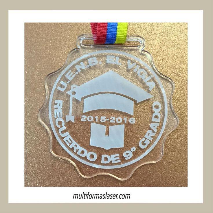 Medallas de Graduación diseños únicos y personalizados. #grabadolaser #cortelaser #graduaciones #medalladegraduacion http://ift.tt/1R9xzbU multiformas3d@gmail.com