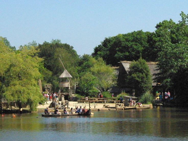 Pleumeur-Bodou, Parc du Radôme : le Village Gaulois (photo B. L'Hotellier)
