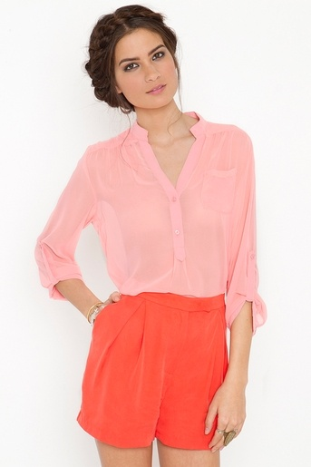 coral and pinkColors Combos, Work Girls, Working Girls, Colors Combinations, Girls Shorts, Colors Schemes, Colors Block, Cute Outfit, Coral Shorts