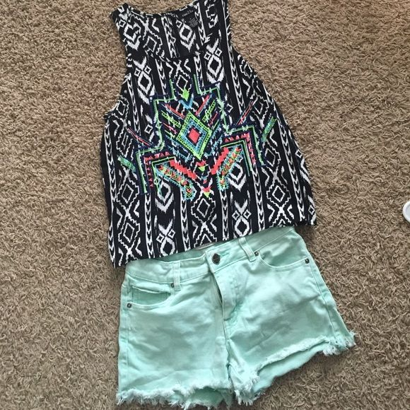 Tank Summer time is arising! This outfit would be perfect for YOU! Rue 21 Tops Tank Tops