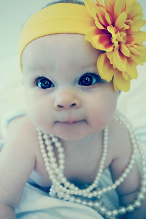 Beautiful Baby GirlLittle Girls, Baby Girls Pics, Baby Headbands, Flower Headbands, Big Eye, Baby Girls Pictures, Baby Girls Photos, Yellow Flower, Beautiful Baby