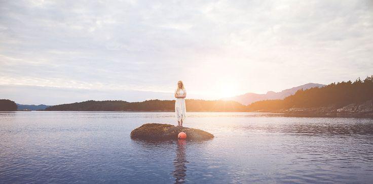 www.heddahestholm.wordpress.com Instagram: @heddussen #adventure #photography #summer #july #canon #lightroom #photoshop #norway #nature #ootd #dress #sea