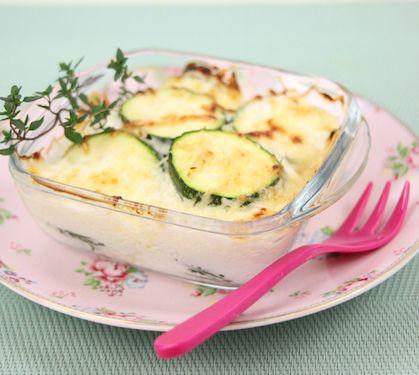 Gratin de courgettes   Dès 10 mois   Envie de bien manger. Plus de recettes ici : http://www.enviedebienmanger.fr/idees-recettes/recettes-gratin