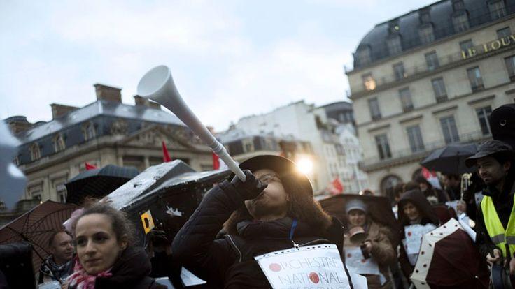 Paris protests art