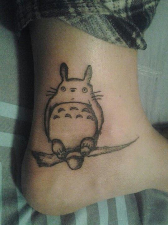 31 best images about totoro on pinterest watercolors sleeve and hipster. Black Bedroom Furniture Sets. Home Design Ideas