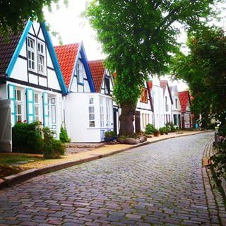 Überall diese grauen Hochhäuser.   31 Gründe, niemals einen Fuß nach Rostock zu setzen