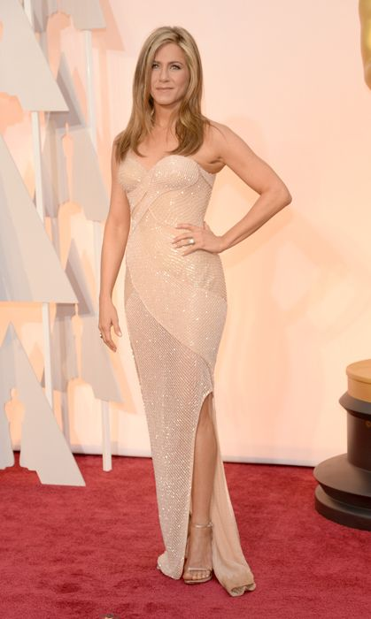 All the red carpet looks from the 2015 Oscars: Jennifer Aniston in Versace. Photo: Getty