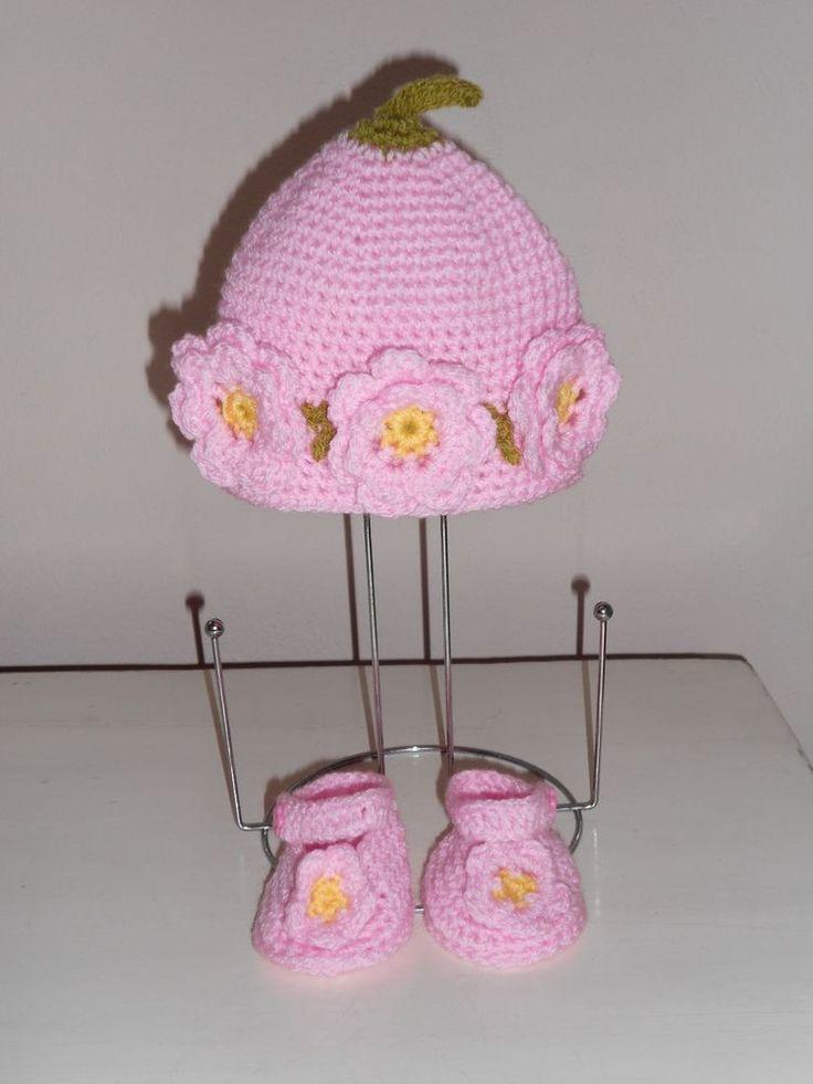 Cappello e scarpe per neonata handmade