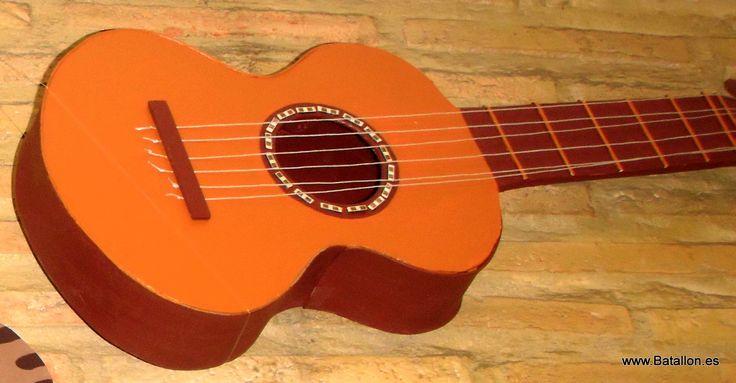 Una guitarra 100% hecha a mano ;)