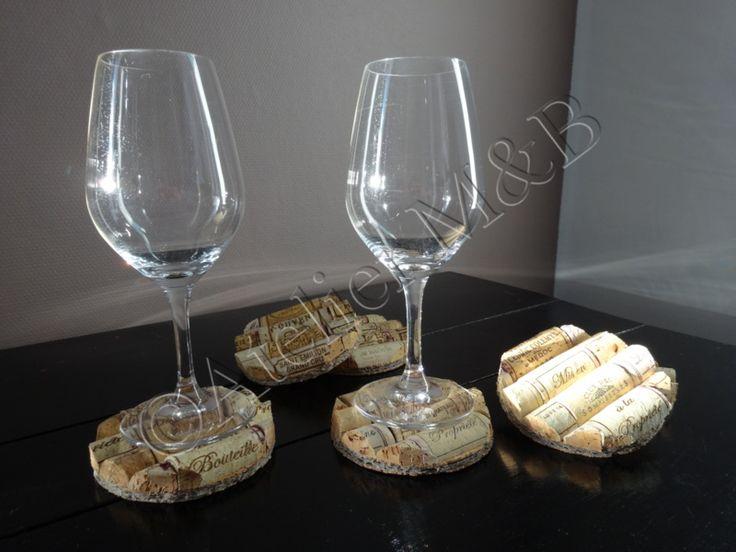 Dessous de 100% Liège Composé de bouchons de vin en liège #liege #cork #dessousdeverre #coaster #upcycling #recycling #recycler #bouchons #vin #wine #glass #verre #original