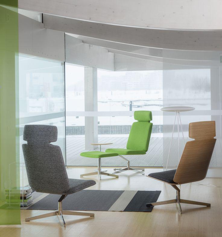 ON-tuoli on palkittu kansainvälisilläkin palkinnoilla – Good Design Award - ja Interior Innovation Award –palkinnoilla. Suunnittelija: Tapio Anttila. Kuvassa esillä myös Kera Interiorin jalkavalaisin, Showroom Finlandin teline sekä Woodnotesin matto #habitare2015 #design #sisustus #messut #helsinki #messukeskus #tapioanttila #pedro #furnituredesign #lounge #finnishdesign