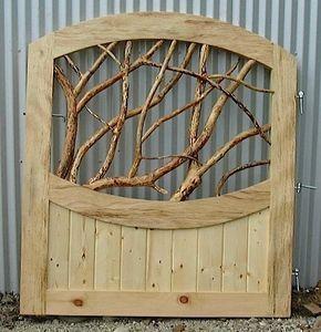 Ein Zaun hat natürlich zur Funktion, den Garten z…