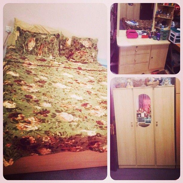 للبيع غرفة نوم سرير نفر ونص تسريحه كبت ثلاث ابواب ماترس بحالة ممتازة السعر 70 Bd Home Decor Decor Bed