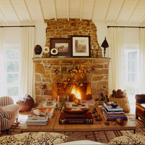 Love a big coffee table and a stone fireplace.: Decor, Stones Fireplaces, Memorial Tables, Cozy Living Rooms, Cozy Fireplace, Cozy Rooms, Altars, Families Rooms, Stone Fireplaces