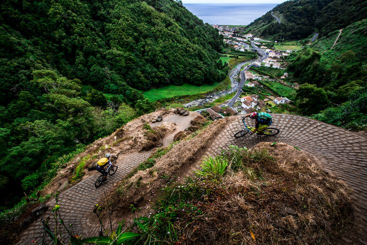 The Azores Islands, Portugal - A Mountain Bikers Paradise - via Pinkbike 21.02.2015 | The Azores Islands photo www.RavenEyePhotography.com