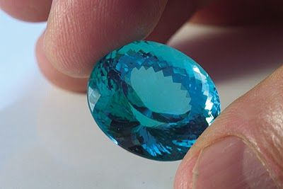 PARAÍBA - Paraiba Tourmaline - The tourmalines are Brazilian stones with a huge variety of colors. The Paraiba Tourmalines are among the rarest and most coveted gemstones in the world. One gram of Paraiba tourmaline can cost more than $ 100,000. Each carat comes to be worth $ 50,000.