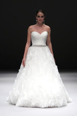 49 best Novias & Vestidos images on Pinterest   Wedding frocks ...