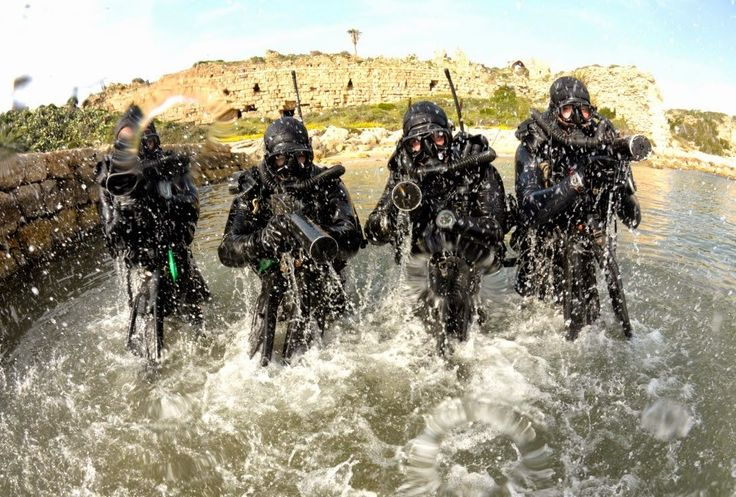 Israeli Special Forces | Israeli Navy Special Forces Shayetet 13 during a photoshoot.
