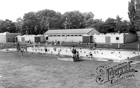Hull, East Park, the Lido