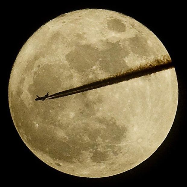 """An aircraft flies past the moon over Somerset, as it is at its closest point to the Earth for almost two decades. 3/21/2011, """"The Telegraph"""": Eye Candy, Beautiful Creations, Amazing Pictures, Moon, Super Moon, Sky Moon, Beautiful People, Super Luna, The Moon"""