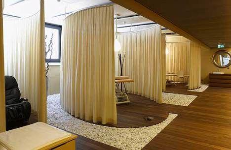 As salas de massagem são praticamente um santuário.