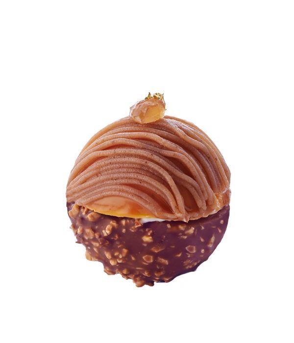 Crème légère à la vanille, meringue croustillante, mousse aux marrons, gelée de poire, passion et vermicelles de marron - http://www.lesfeespatissieres.com/