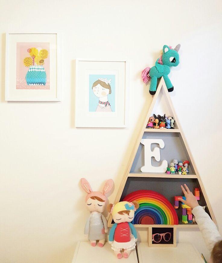 Christmas tree shelf x