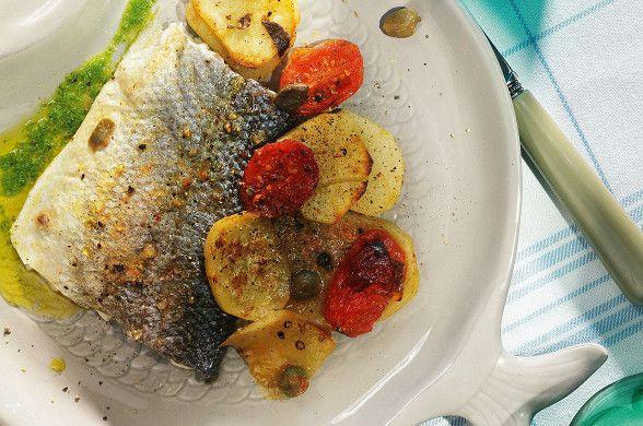 Сибас с картофелем, каперсами и помидорами, пошаговый рецепт с фотографиями – средиземноморская кухня: основные блюда. «Афиша-Еда»