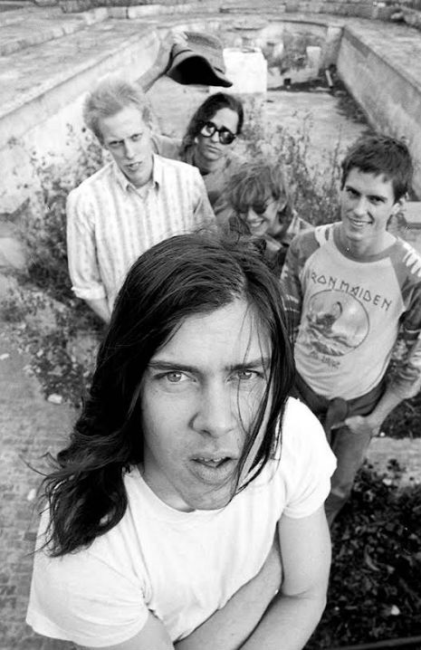 BUTTHOLE SURFERS LIVE IN ROTTERDAM: 'THOSE PEOPLE PUT A LOT OF MAYONNAISE ON THEIR FRENCH FRIES'