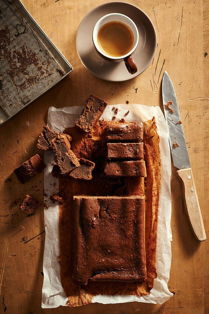 Wspaniałe soczyste ciasto kawowo-czekoladowe z dodatkiem likieru kawowego.