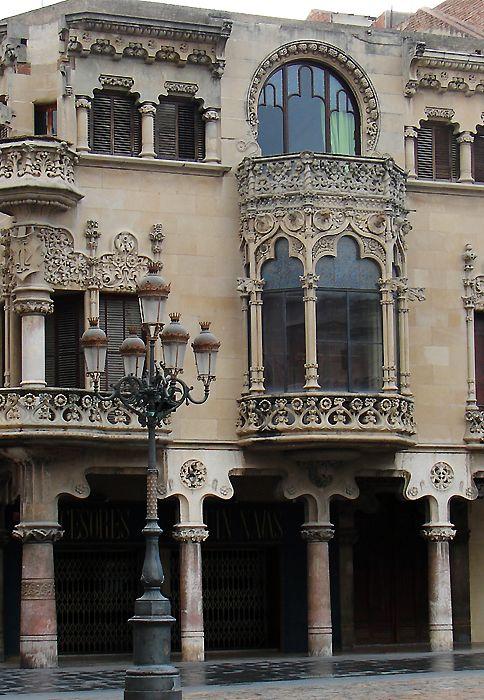 Balconies of Casa Navas,Modernisme en Reus, Catalonia, Architect Lluís Domènech i Montaner. Photo from arslonga.dk.