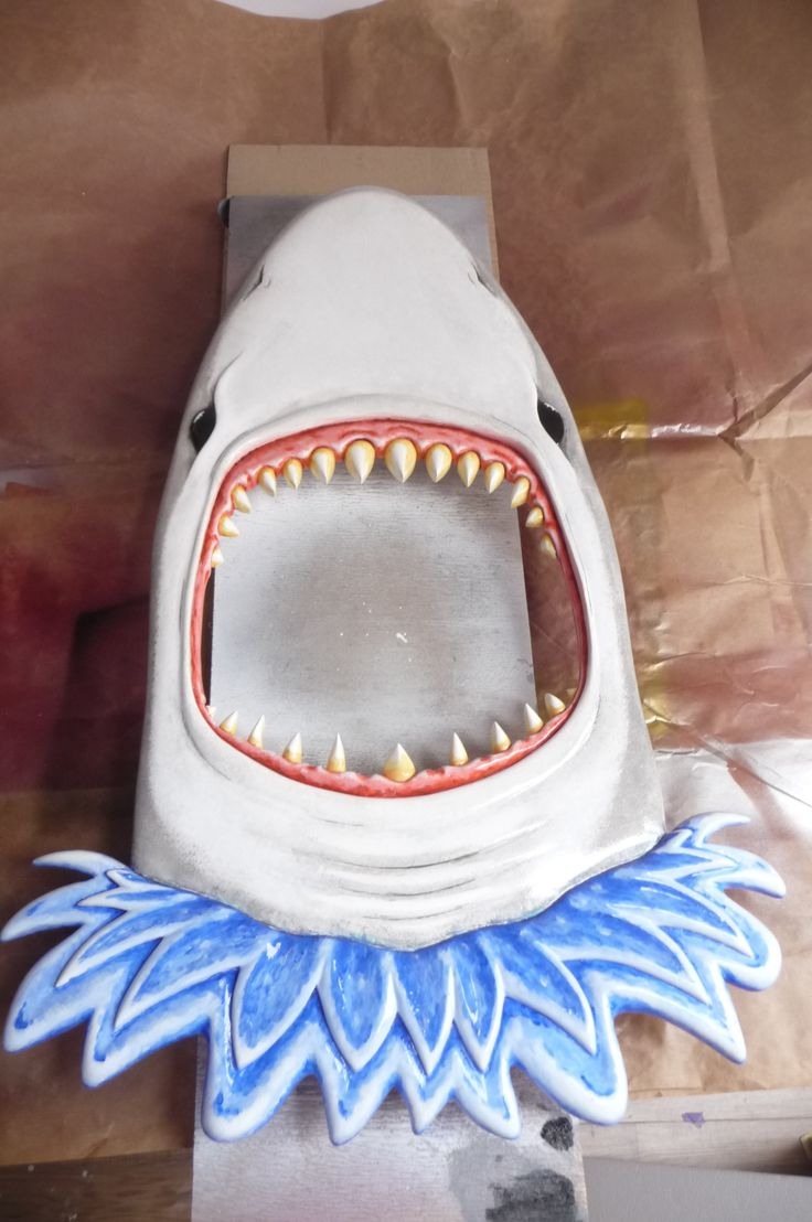 Shark Mirror is finished twice with glossy lacquer to seal in all that colour and detail.