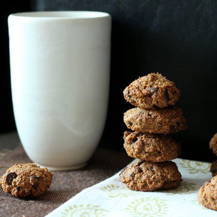 ginger banana almond oat cookies