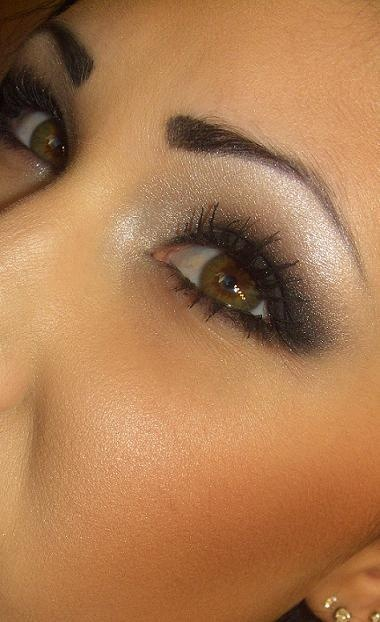 smoky eyeFace Makeup, Stunning Makeup, Bright Eye, Dramatic Eye, Smoky Eye, Hazel Eye, Smokey Eye Makeup, Silver Eyeshadows, Pretty Eyes