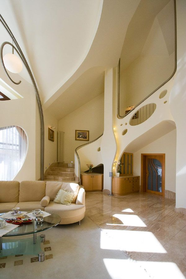 """Unexpected Design Twists Exhibited by Contemporary """"Swing House"""" in Poland"""