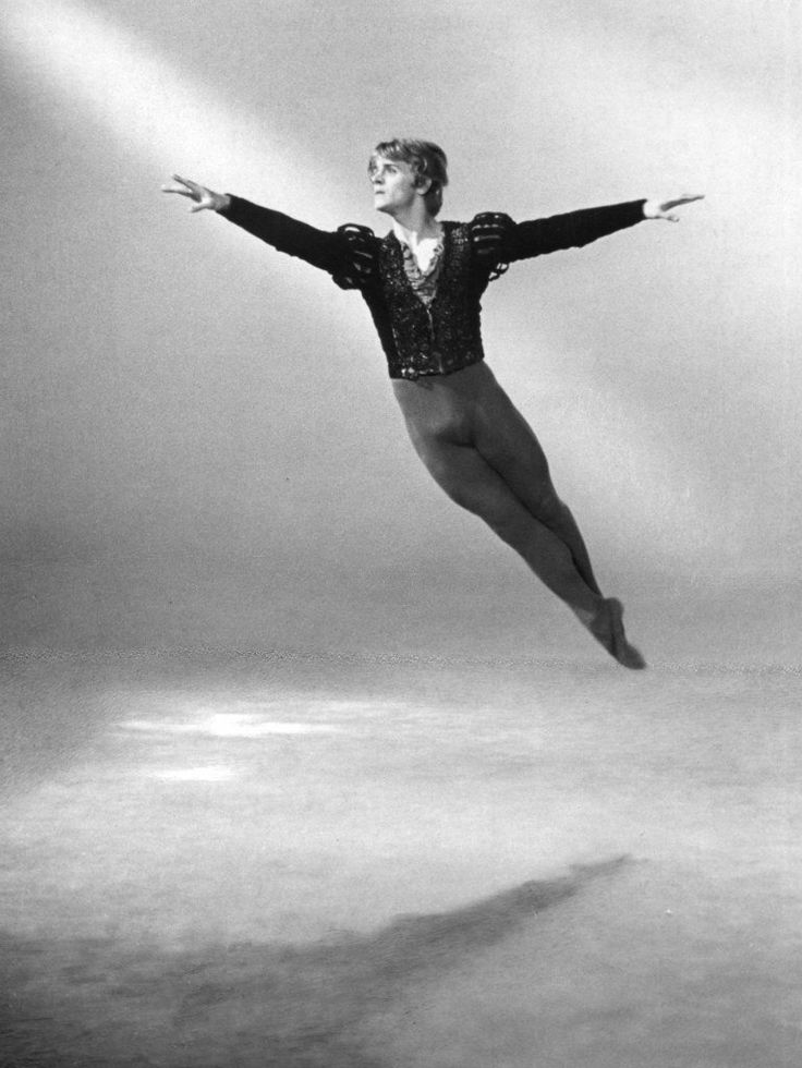 "Baryshnikov as Albrecht in ""Giselle"". Барышников - Альберт в ""Жизели"""