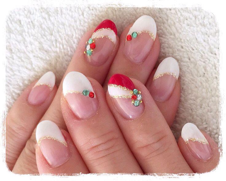 サンタ帽子のクリスマスネイル http://niconail.hamazo.tv/e5780195.html