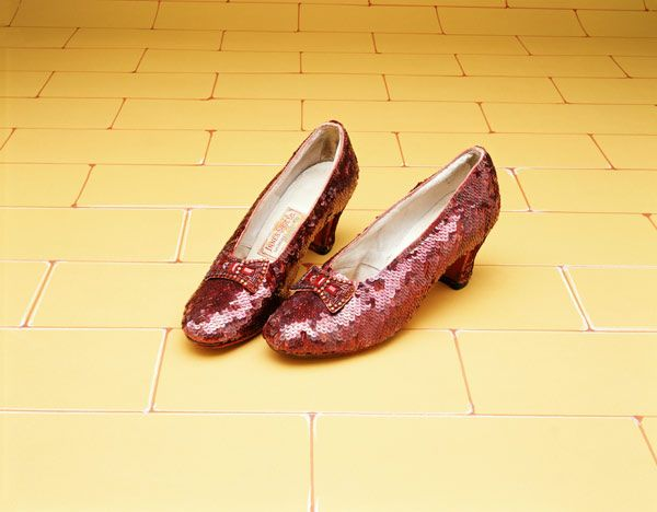 Dieser Künstler ist noch nicht katalogisiert-A Pair Of Ruby Slippers Worn By Judy Garland In The 1939 MGM Film ''The Wizard Of Oz''