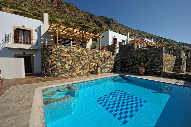 Mirabello Villa with private pool in Elounda Maris Villas, Elounda Crete island. Elounda Maris Villas is an elegant retreat nestled in the Bay of Elounda Crete, Greece. Our luxury holiday villas effortlessly connect captivating charm and comfort
