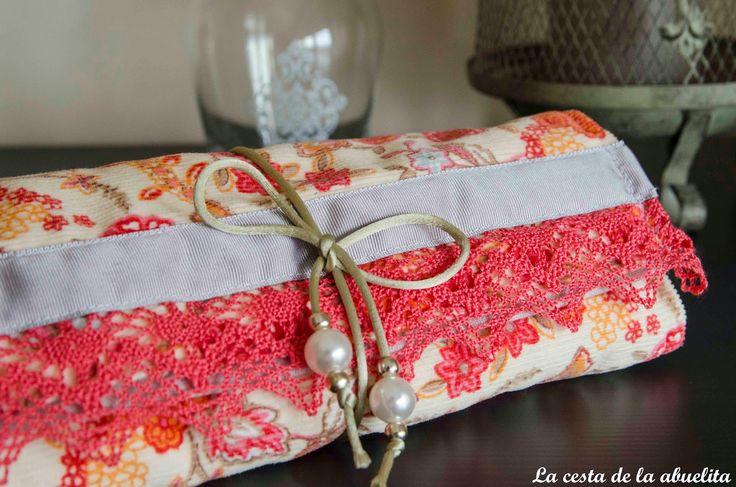 Joyero de viaje. www.lacestadelaabuelita.com