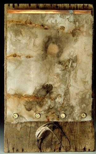 art. pale. beige. cloud-like. watery. bird head.   RP » rust