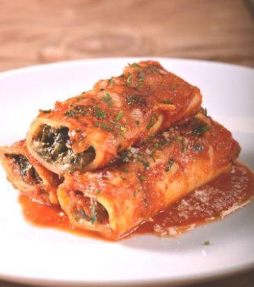 Cannelloni with spinach and mushroom. Recipe in Greek. Κανελόνια με μανιτάρια σοτέ, σπανάκι και ξινομυζήθρα | Γιάννης Λουκάκος