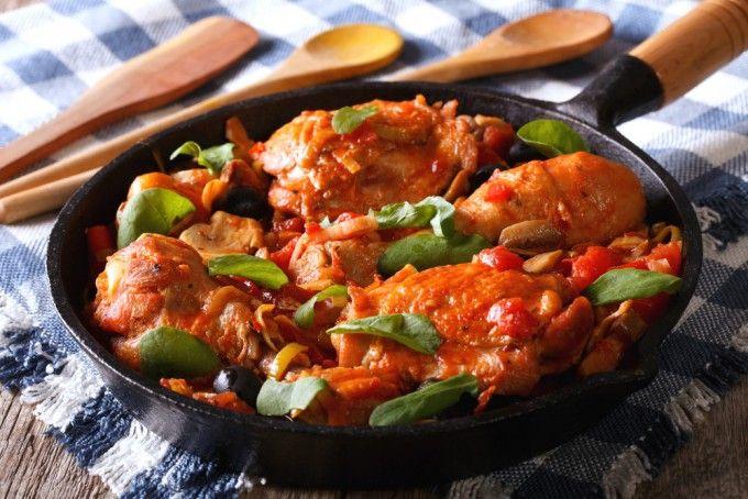 Pui cu usturoi şi busuioc în sos de unt și roşii   Retete culinare - Romanesti si din Bucataria internationala
