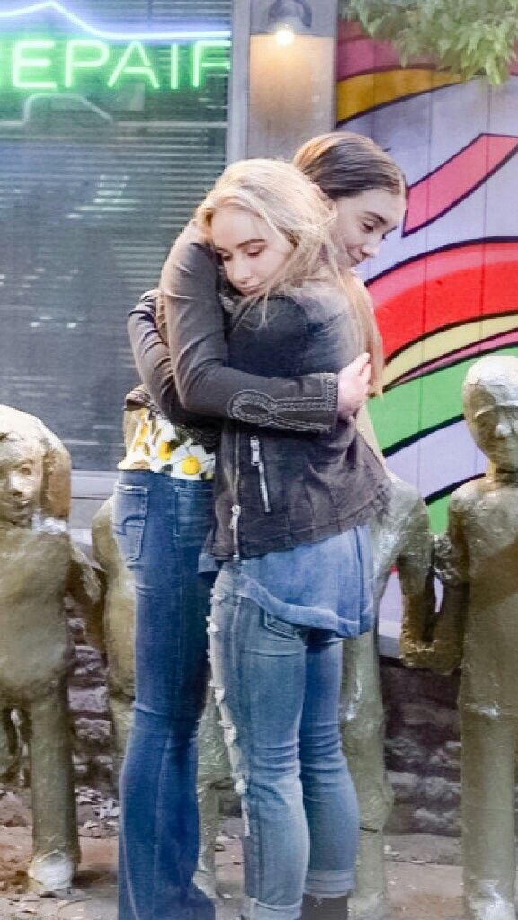 Awwww I love pictures of them hugging so much!