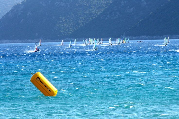 Vassiliki bay: on of the most popular places for windsurfing