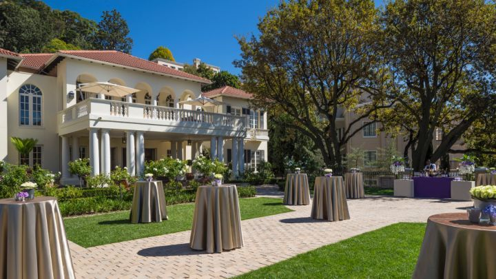 The Westcliff, is considered by many Johannesburg residents as THE wedding venue. It has a huge number of indoor and outdoor venues, large gardens and a view of the the suburban areas sprawling below its cliffside perch. If you want a spring or summer wedding expect to share space with other brides.