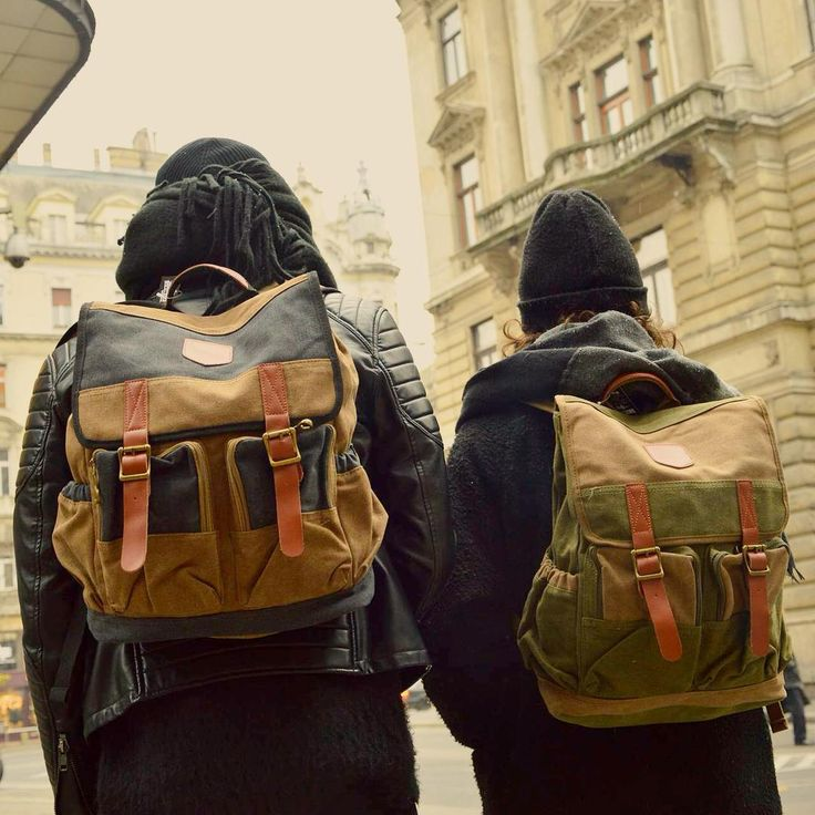 sighseeing budapest downtown backpack szputnyikshop couple