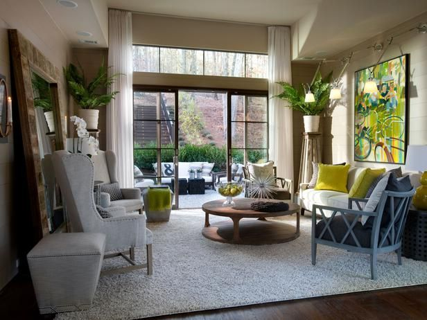 living room: Coffe Tables, Living Rooms, Green Homes, Plants Stands, Hgtv Green, Southern Farmhouse, Interiors Design, Home Living Room, Families Room