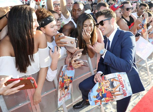 Zac Efron Photos Photos - Zac Efron attends the world premiere of Paramount Pictures film 'Baywatch' at South Beach on May 13, 2017 in Miami, Florida. - 'Baywatch' World Premiere