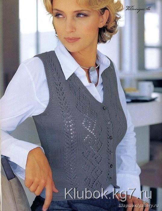 серый жилет - knitted vest